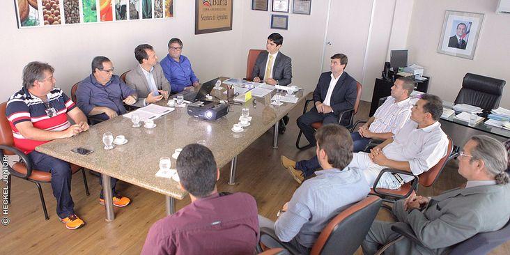 PUBLICADA LISTA DOS SERVIDORES DAS CARREIRAS DE FISCAL E TÉCNICO LOTADOS NA ADAB
