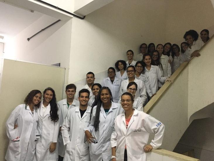 Alunos da Universidade Federal da Bahia visitam Laboratório de Sanidade Animal da ADAB