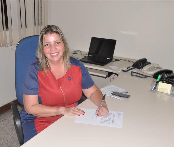 Rosângela Schettini Knupp toma posse como diretora de defesa sanitária vegetal da ADAB